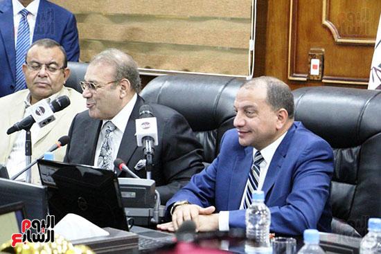 اتفاقية تعاون أكاديمى بين جامعتى بنى سويف وسيناء (13)