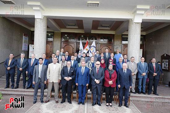 اتفاقية تعاون أكاديمى بين جامعتى بنى سويف وسيناء (3)