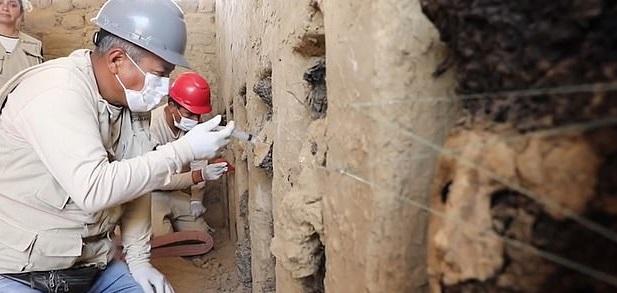 تماثيل المكتشفة قى بيرو  (1)