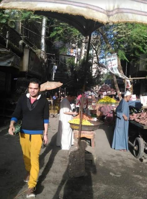 السوق وسط المنازل السكنية