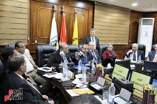 اتفاقية تعاون أكاديمى بين جامعتى بنى سويف وسيناء (14)