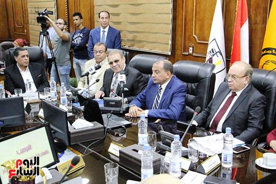 اتفاقية تعاون أكاديمى بين جامعتى بنى سويف وسيناء (2)