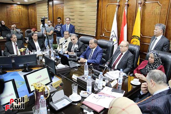 اتفاقية تعاون أكاديمى بين جامعتى بنى سويف وسيناء (20)