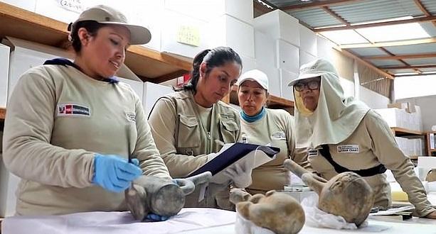تماثيل المكتشفة قى بيرو  (3)