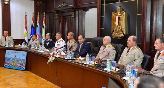 السيسى يجتمع بالمجلس الأعلى للقوات المسلحة (2)