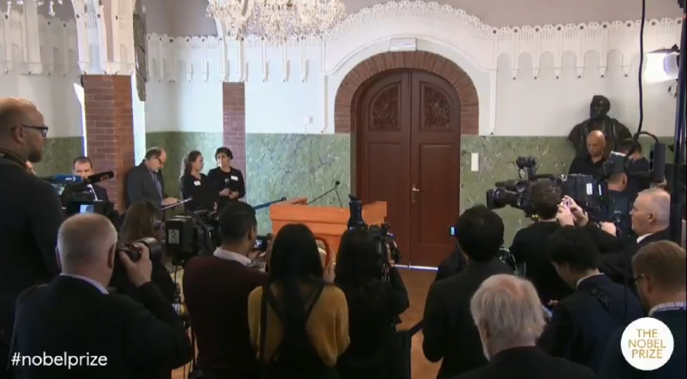 منح جائزة نوبل للسلام 2018 لـ دينيس موكويجى وناديا مراد لمكافحة العنف الجنسى (3)