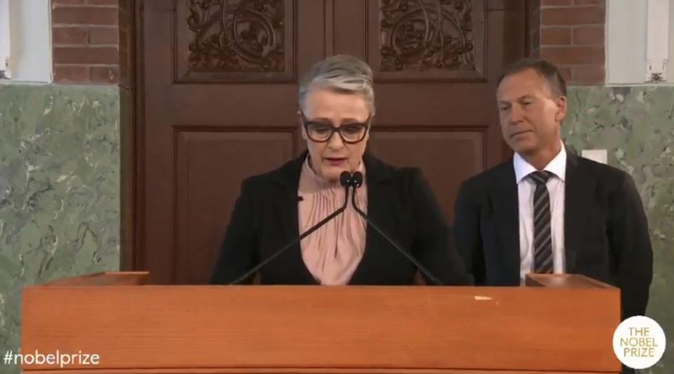 منح جائزة نوبل للسلام 2018 لـ دينيس موكويجى وناديا مراد لمكافحة العنف الجنسى (8)