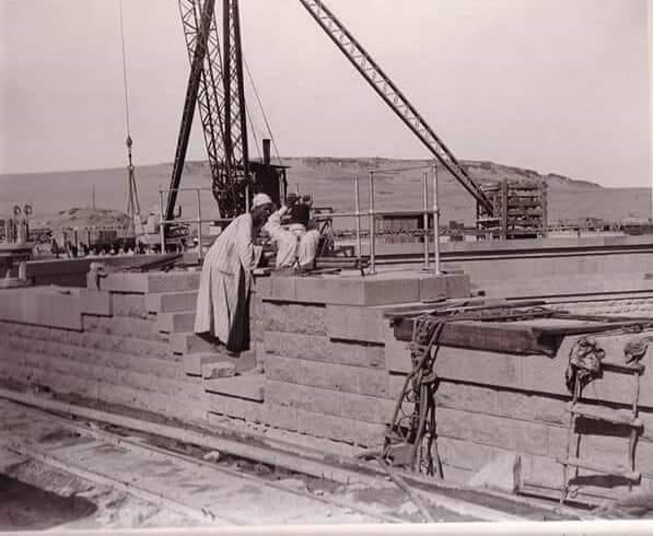 مراحل بناء خزان أسوان (18)