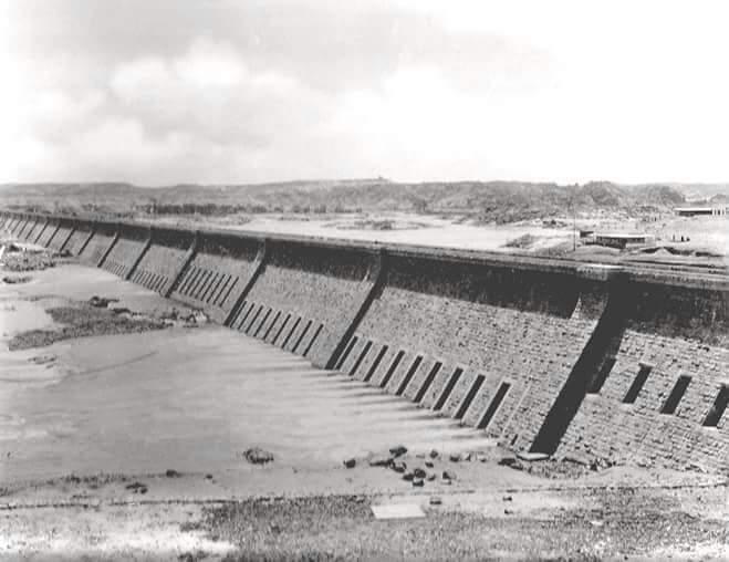 مراحل بناء خزان أسوان (19)