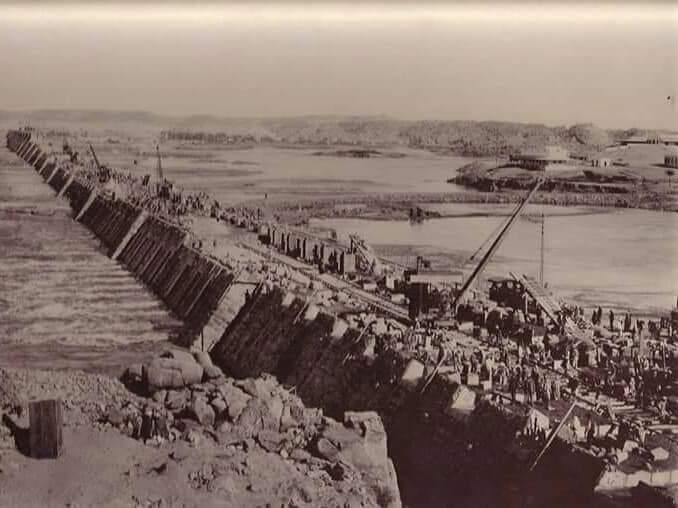 مراحل بناء خزان أسوان (9)
