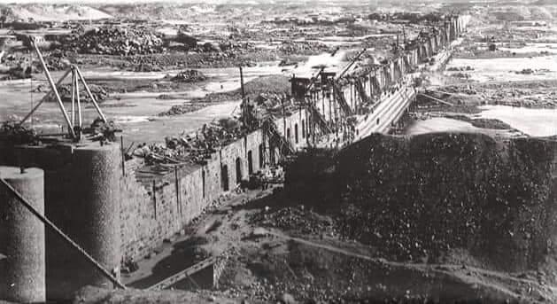 مراحل بناء خزان أسوان (6)