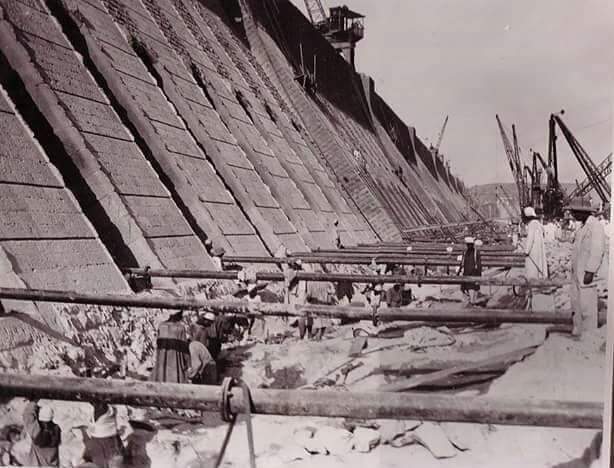 مراحل بناء خزان أسوان (13)