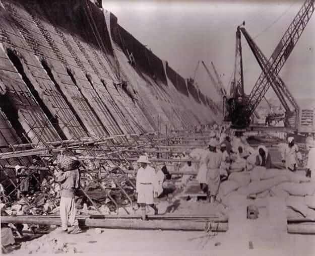 مراحل بناء خزان أسوان (17)