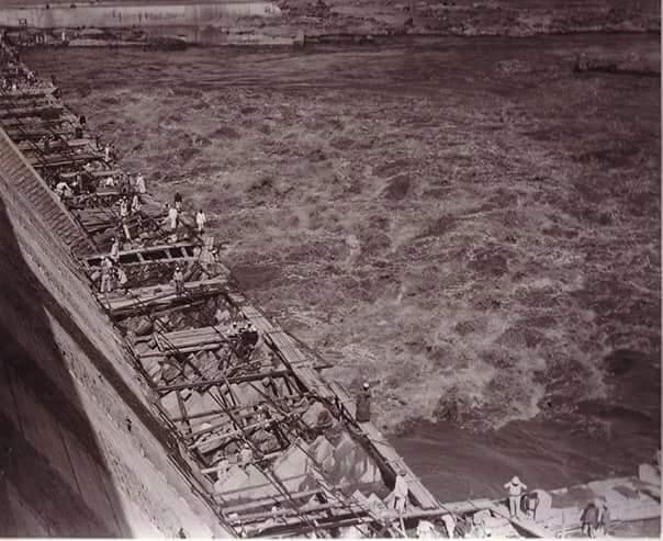 مراحل بناء خزان أسوان (1)