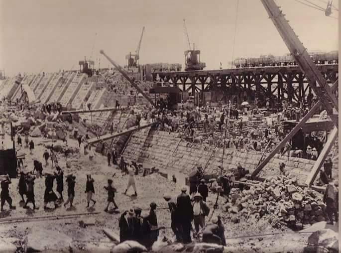 مراحل بناء خزان أسوان (10)