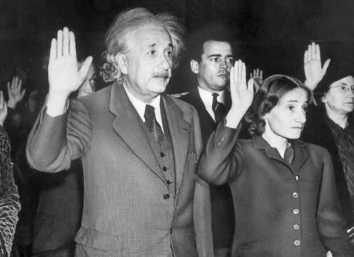 إينشتاين وابنته مارجروت