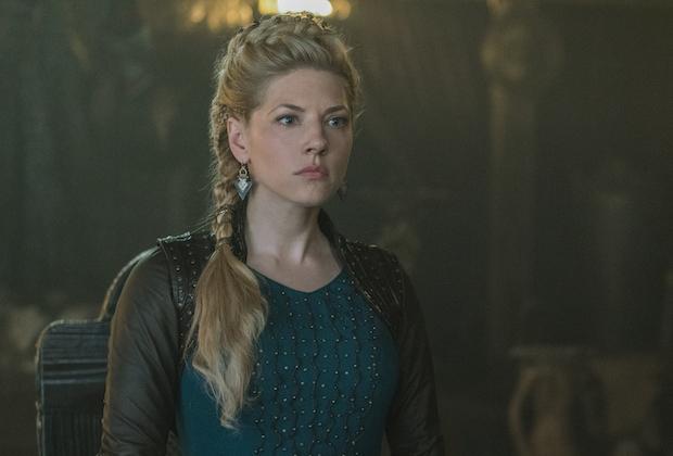 بطلة مسلسل Vikings تنشر صورة لها وهى طفلة من هى عين