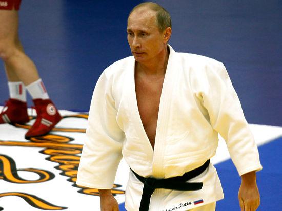 بوتين يؤدى تدريبات السامبو الروسية