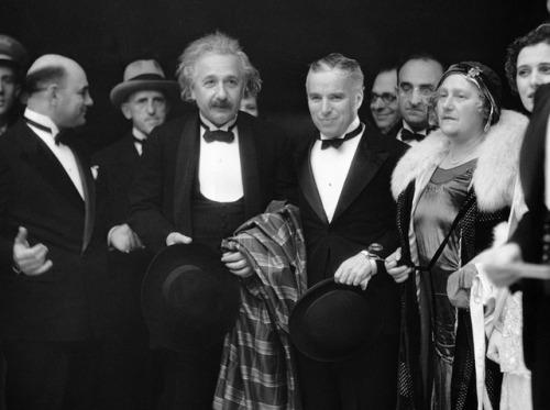 أينشتاين وتشارلى شابلن