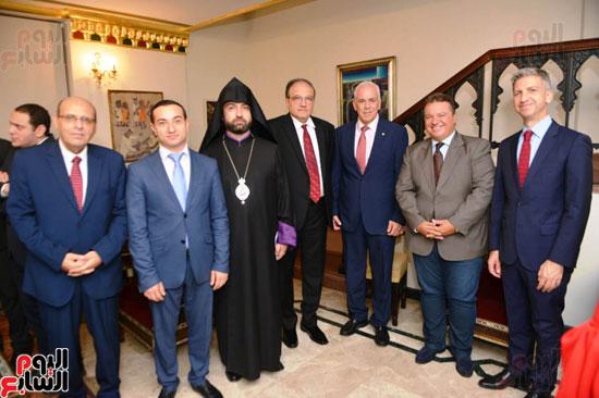 أبناء الجالية الأرمينية يحكون  (11)