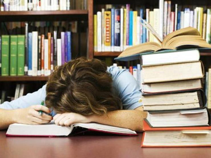 النوم اثناء المذاكرة