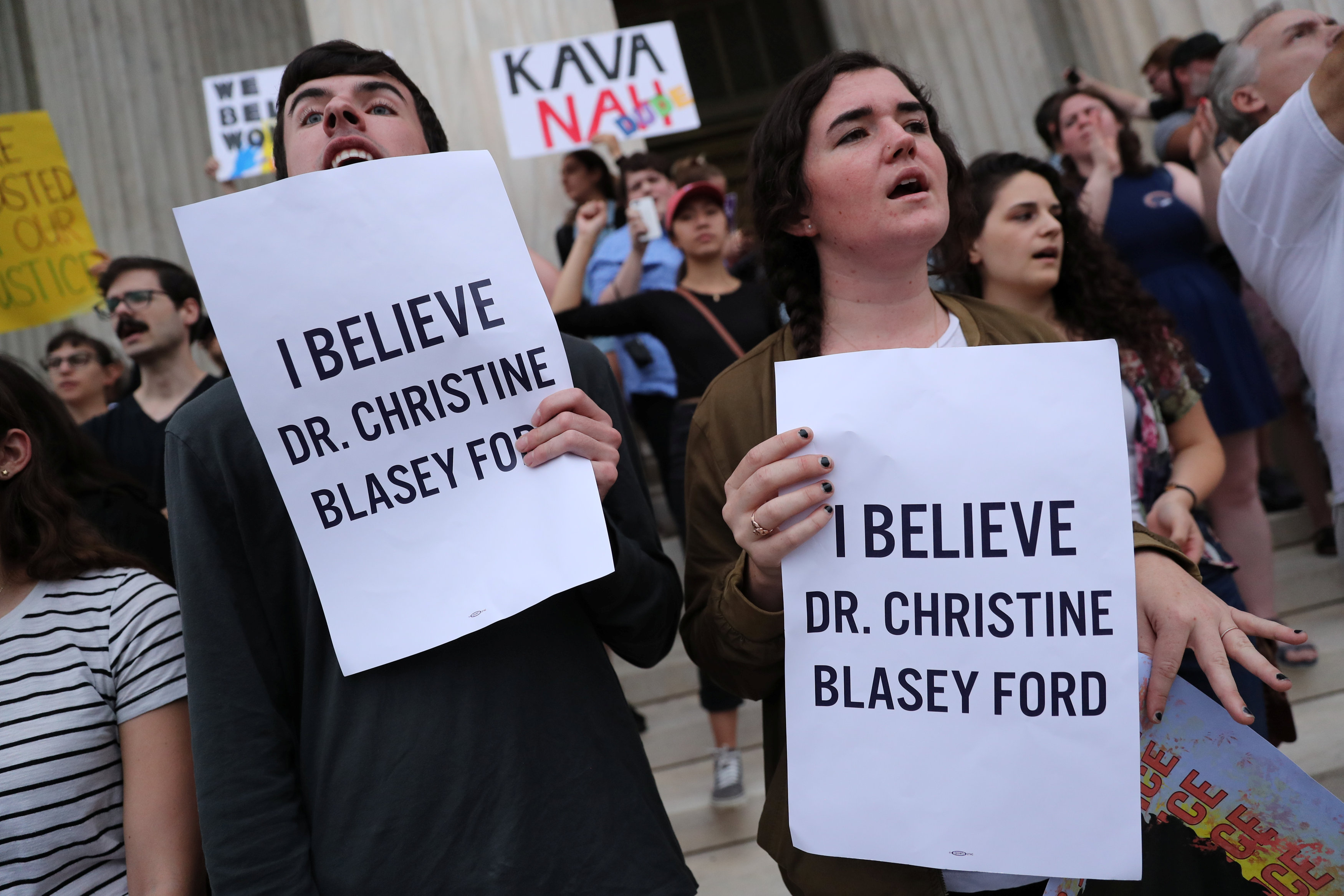 احتجاجات ضد رئيس المحكمة العليا الامريكية