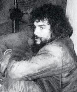 جيفارا  بعد اعتقاله