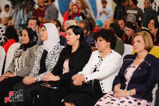 نبيلة مكرم وزيرة الهجرة (16)