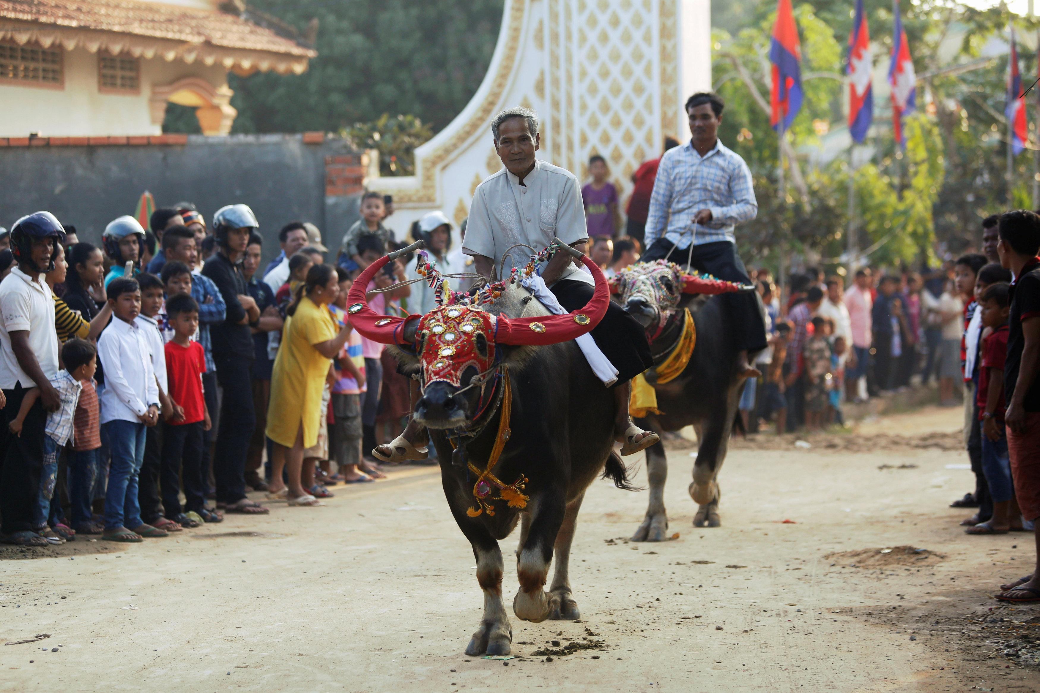 جانب من الاحتفالات بمهرجان الموتى فى كمبوديا
