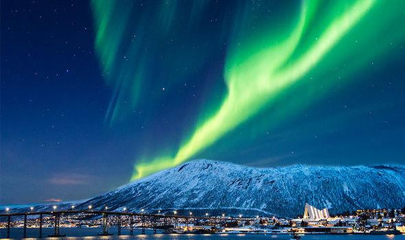 شاهد سماء فنلندا تضئ بالأخضر (5)