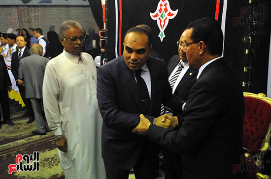 رئيس محكمة استئناف القاهرة يتلقى العزاء فى وزير العدل الأسبق (14)