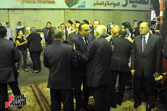 رئيس محكمة استئناف القاهرة يتلقى العزاء فى وزير العدل الأسبق (20)