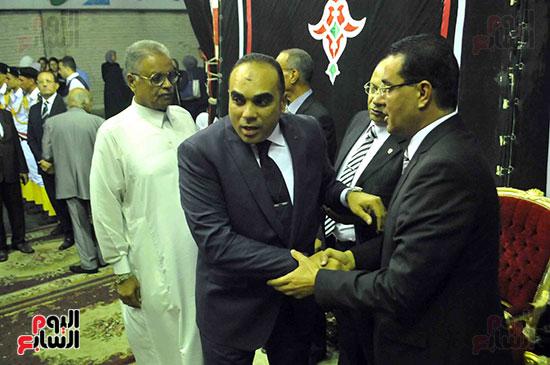 رئيس محكمة استئناف القاهرة يتلقى العزاء فى وزير العدل الأسبق (12)