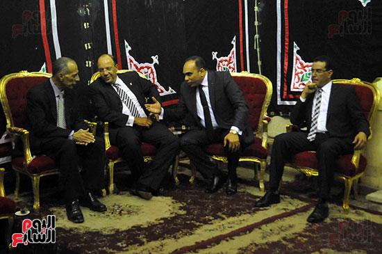 رئيس محكمة استئناف القاهرة يتلقى العزاء فى وزير العدل الأسبق (1)