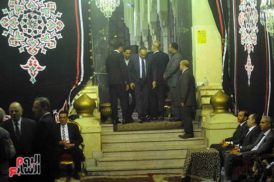 رئيس محكمة استئناف القاهرة يتلقى العزاء فى وزير العدل الأسبق (3)
