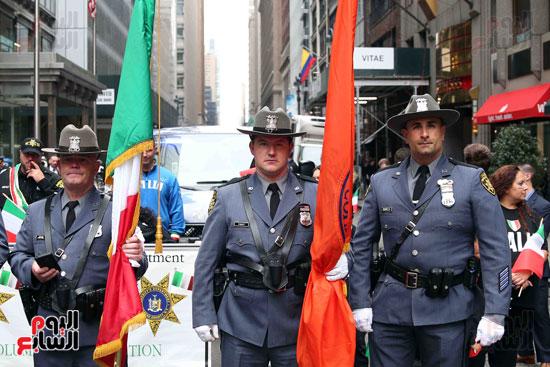 عروض فنية وعسكرية خلال احتفالات يوم كولومبوس فى الولايات المتحدة (1)