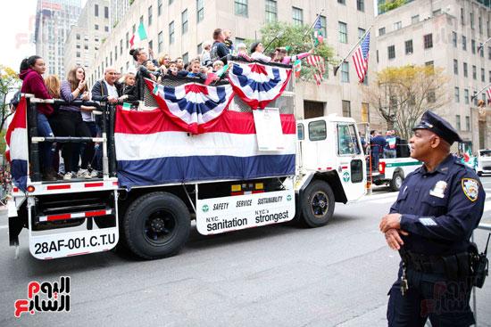 عروض فنية وعسكرية خلال احتفالات يوم كولومبوس فى الولايات المتحدة (6)