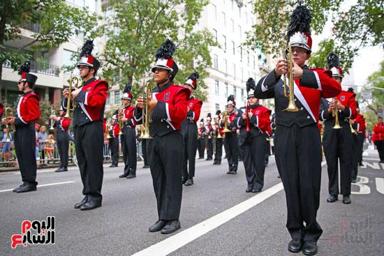عروض فنية وعسكرية خلال احتفالات يوم كولومبوس فى الولايات المتحدة (12)