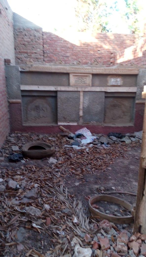 5-المقابر