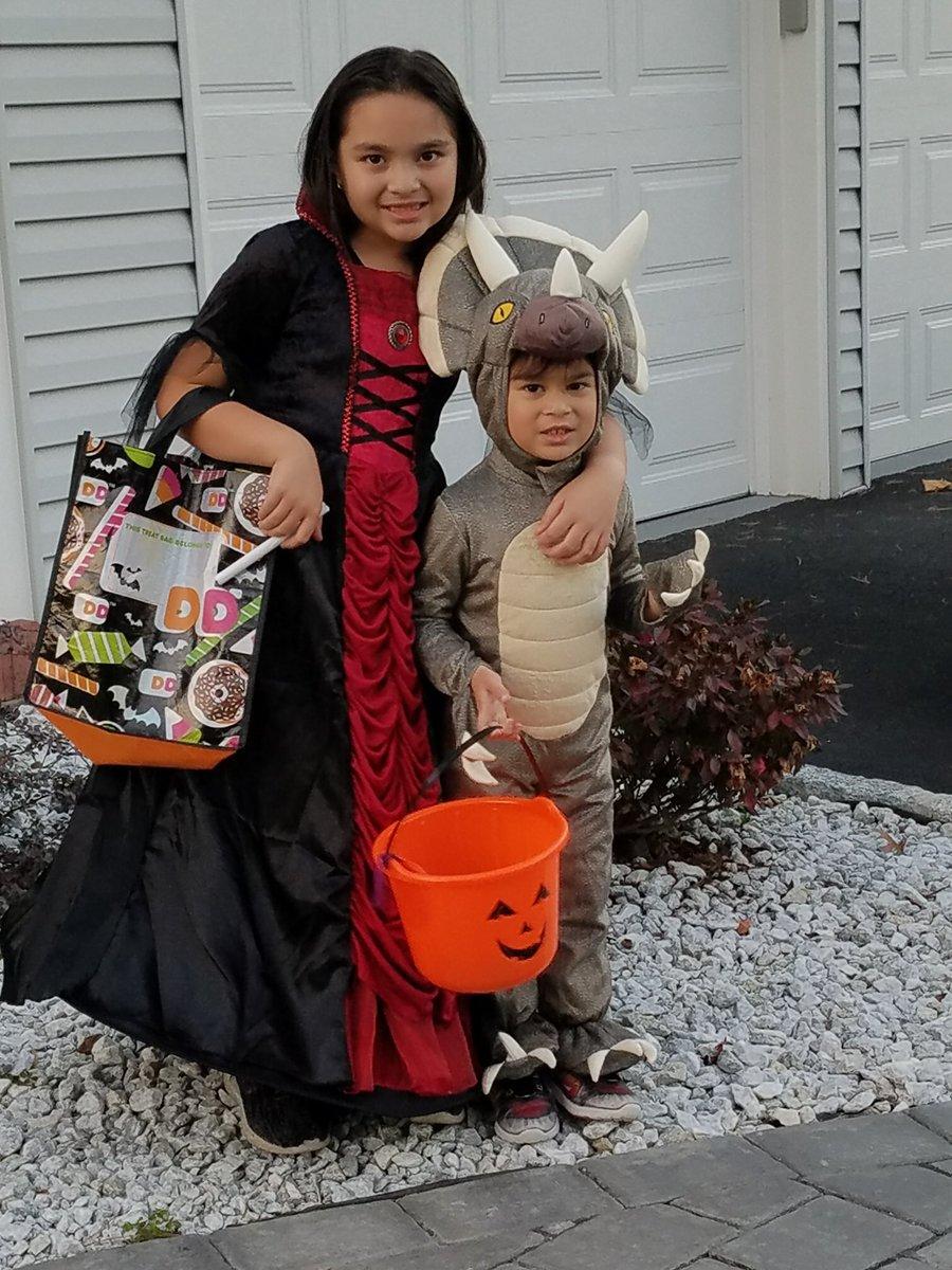 الأطفال فى أزياء الهالوين (10)