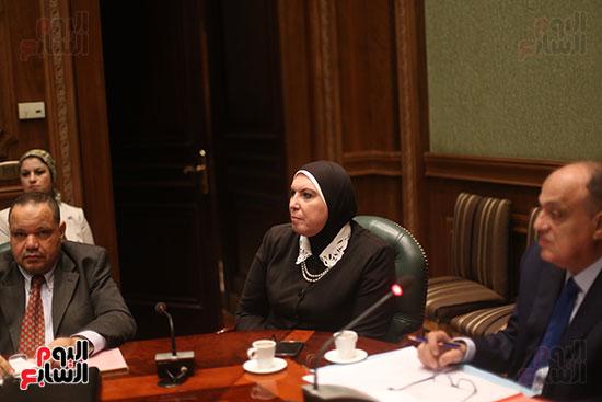 صور اجتماع لجنة المشروعات (4)