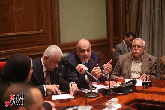 صور اجتماع لجنة المشروعات (5)