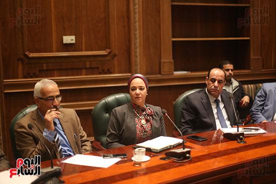 صور اجتماع لجنة المشروعات (10)