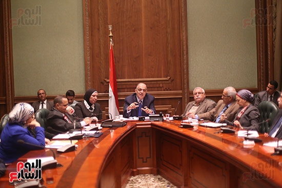 صور اجتماع لجنة المشروعات (2)