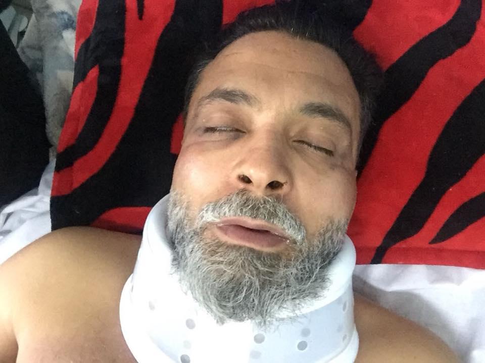 جانب من الاعتداءات على الدكتور يونس قنديل من قبل مسلحين (3)