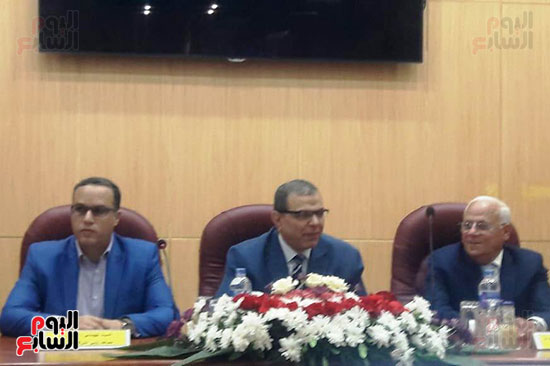 محمد-سعفان-وزير-القوى-العاملة-واللواء-عادل-الغضبان-محافظ-بورسعيد-(7)