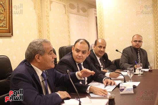 للجنة الاقتصادية بحضور وزير التضامن (13)