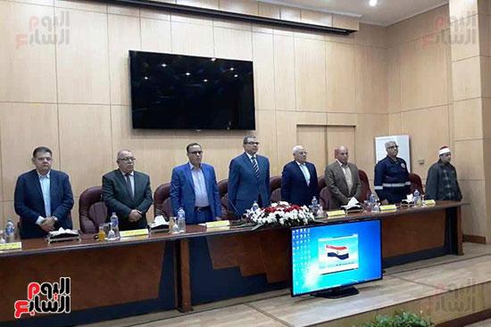 محمد-سعفان-وزير-القوى-العاملة-واللواء-عادل-الغضبان-محافظ-بورسعيد-(8)