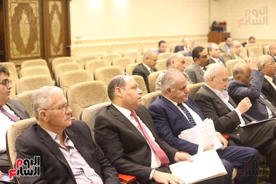 للجنة الاقتصادية بحضور وزير التضامن (6)