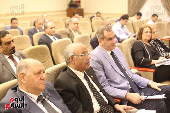 للجنة الاقتصادية بحضور وزير التضامن (3)